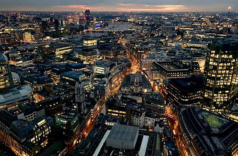 holborn london by night image of