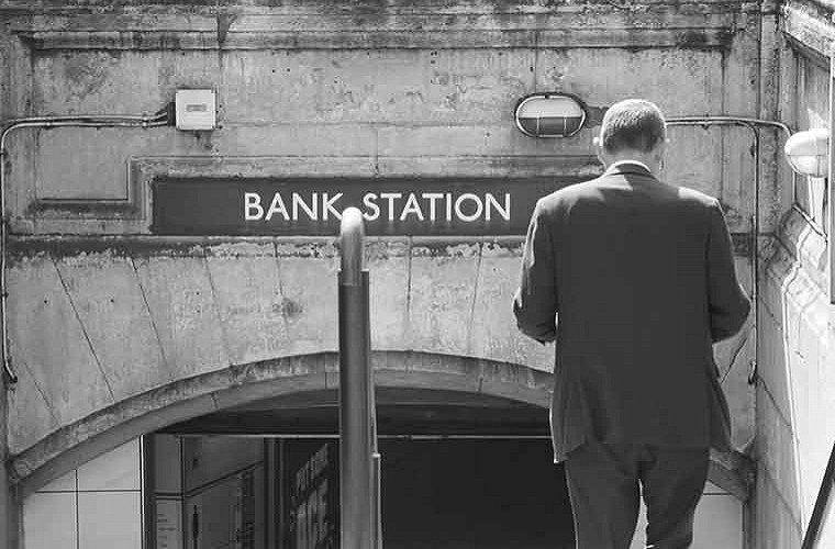 Monument Bank tube station image of
